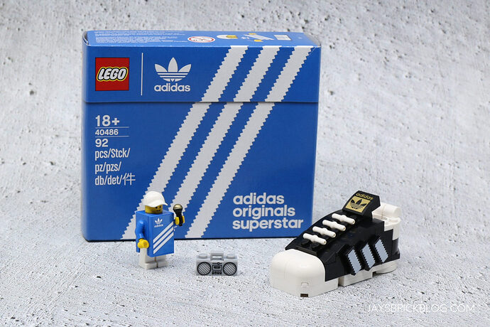 LEGO-40486-Mini-Adidas-Superstar-Gift-with-Purchase-1536x1024